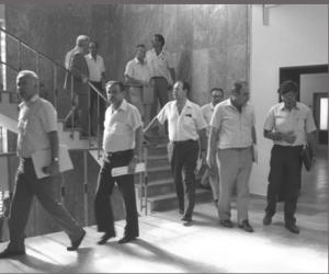 שרי הממשלה בצאתם מהישיבה בה אושרה תוכנית הייצוב | צילום: הרמן חנניה, לשכת העיתונות הממשלתית
