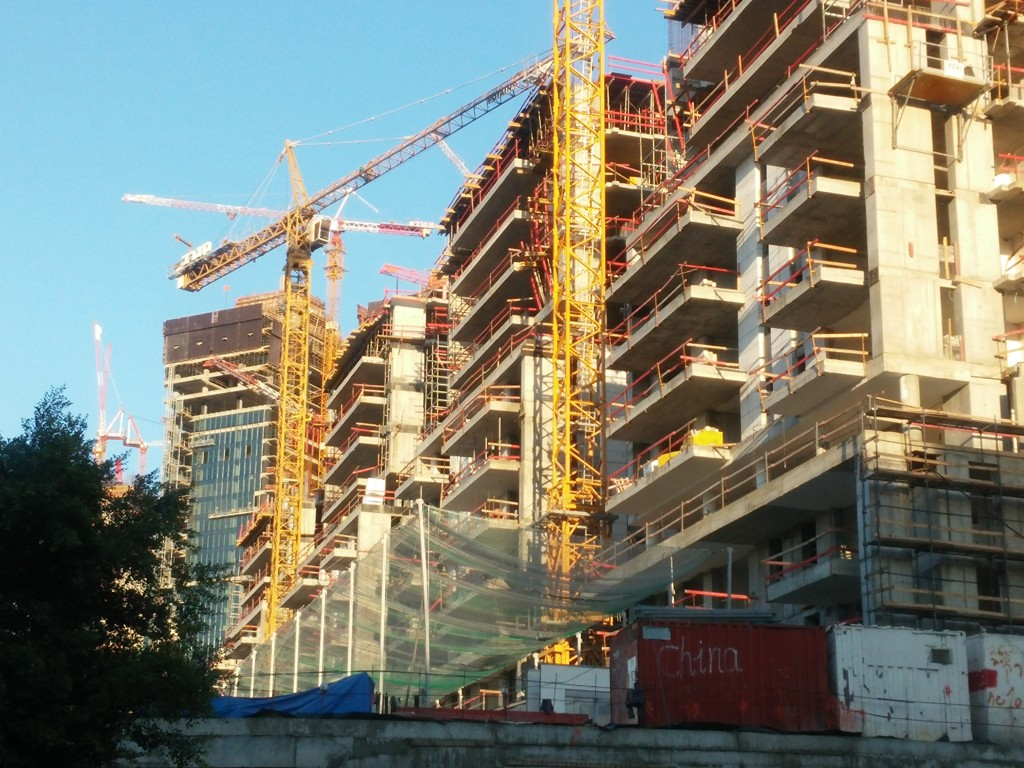 מגדלי יוקרה בבנייה